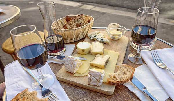 How and Where to Go Cheese Tasting in Sonoma County