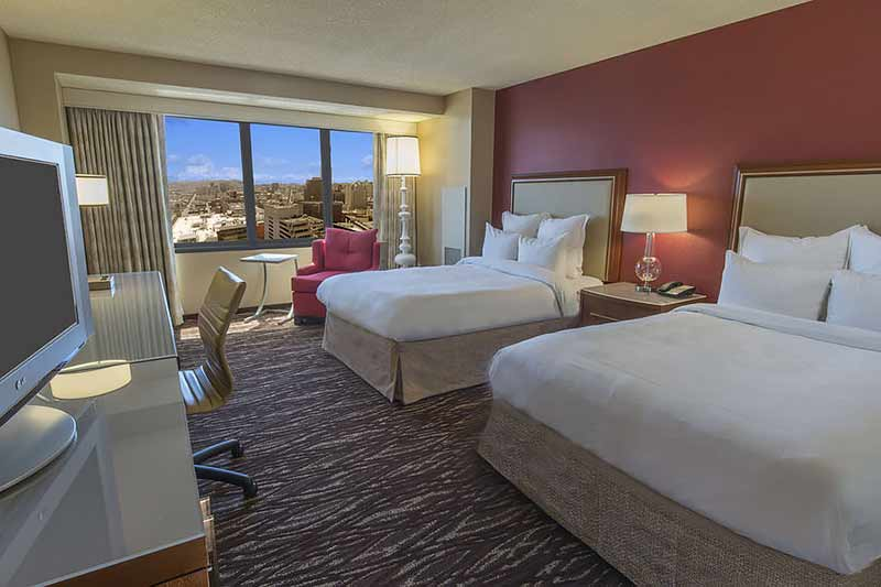 sf-marriott-marquis double bed room